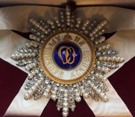 Звезда орден Святой Ольги (с хрусталём и жемчугом swarovski)