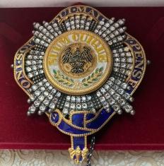 Звезда черного орла объединенная с орденом подвязки с хрусталем (Пруссия)